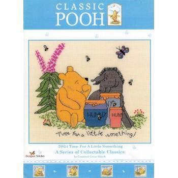 Classic Pooh: Tiempo para las Pequeñas Cosas Designer Stitched Disney DS24 Time Little Something