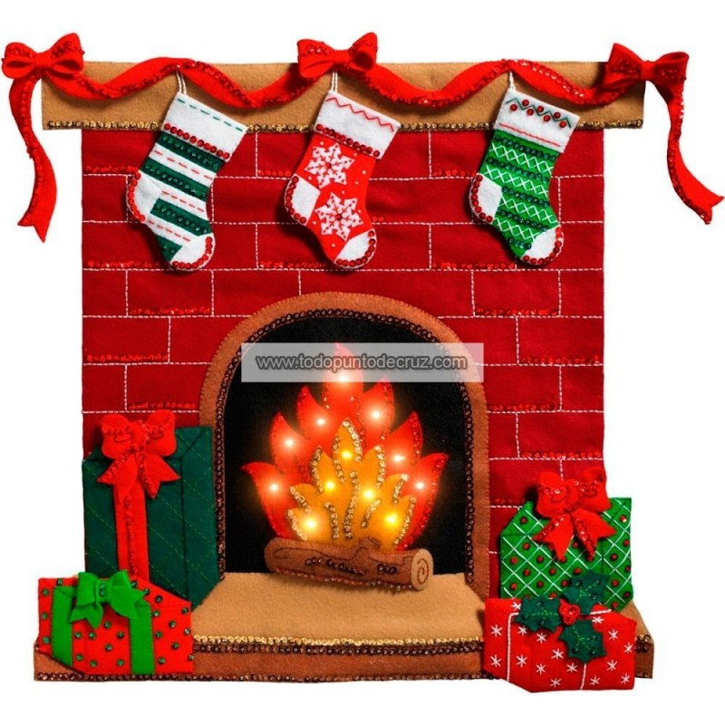 Calcetines en la Chimenea (Con Luz) Bucilla  86821 Fireside Glow Wall Hanging