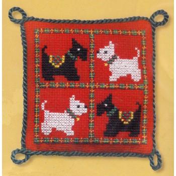 Acerico Scotties & Westies Textile Heritage SWPC pincusion