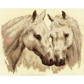 Pareja de Caballos Blancos Panna J-1066 Pair of Horses
