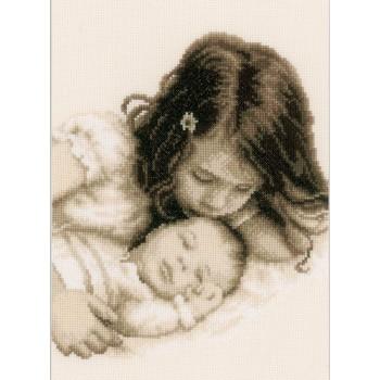 Bebé con su Hermanita