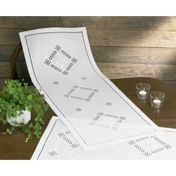 Hardanger: camino de mesa geométrico blanco